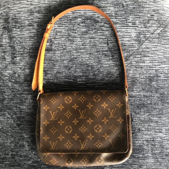 Authentic LV Musette Tango bag  Perfect 90's vibe